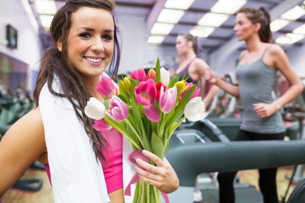 Dzień Kobiet można spędzić w klubach fitness.