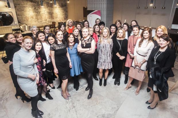 Uczestniczki kolacji Kobiety Kobietom.