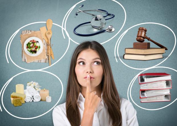 Decyzja o wyborze ścieżki kariery po skończonych studiach to dylemat wielu absolwentów