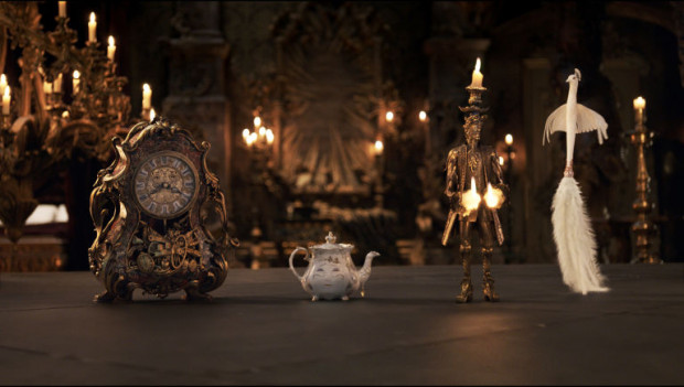 Znakomicie odwzorowani technicznie lokatorzy zaczarowanego zamku nie tylko zachwycają dopracowaniem szczegółów, ale nasycają nieco przyrdzewiałą opowieść świeżą porcją humoru i swobodnej interpretacji.