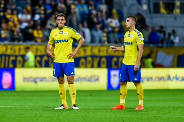 Nie tylko Damian Zbozień (z lewej) i Marcin Warcholak (z lewej) nie potrafią zrozumieć, dlaczego Arka Gdynia wróciła z Gliwic bez punktu, choć prowadziła 2:1.