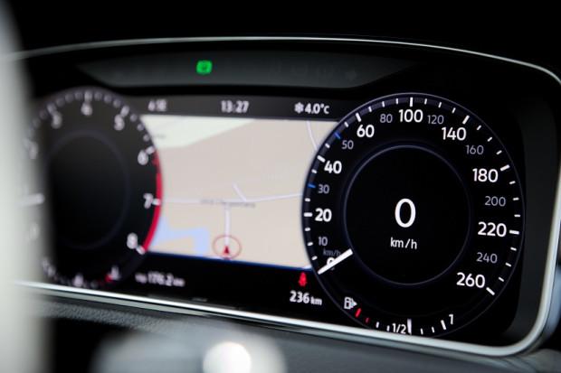 Active Info Display - wirtualny kokpit, który zastąpił klasyczne zegary deski rozdzielczej.