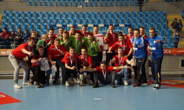 Juniorzy Wybrzeża z brązowymi medalami mistrzostw Polski. Zabrakło niewiele, aby gdańszczanie zagrali o złoto. Półfinał przegrali po rzutach karnych.