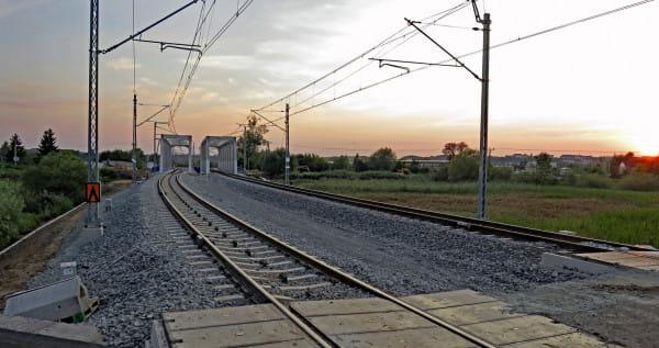 Linia kolejowa do Portu Północnego w pobliżu mostu nad Motławą.