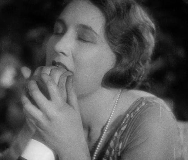 """W ramach Sopockiego Roku Awangardy zapoznać się będzie można ze słynnymi filmami z lat 20. XX wieku. Wśród nich """"Złoty wiek"""" Luisa Buñuela (do zobaczenia 29 maja w Teatrze na Plaży)."""