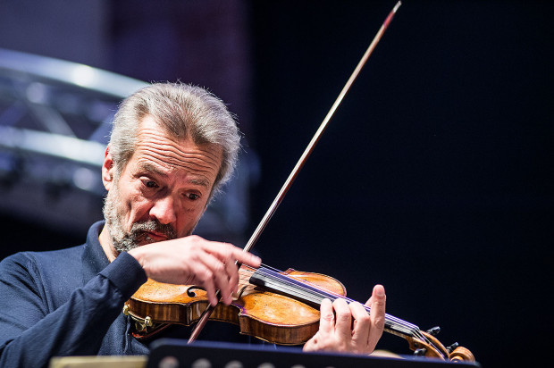 Giuliano Carmignola, jeden z najsłynniejszych skrzypków barokowych świata, zagra z Cappellą Gedanensis 6 kwietnia o godz. 19 w Centrum św. Jana.