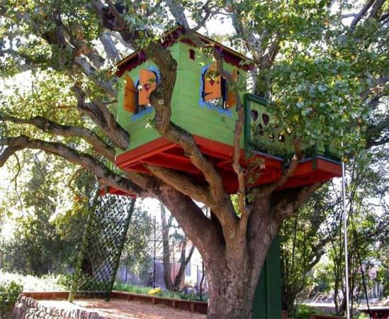 Zaproponowano też 21 domków na drzewie, po jednym w każdym z gdańskich parków. Miałyby być miejscem zabaw dla dzieci.