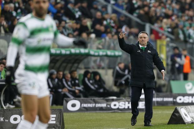 Piotr Nowak twierdzi, że jego piłkarze potrafią się wspierać, dlatego ufa im, iż dadzą sobie radę po trzech porażkach z rzędu i wyjdą zwycięsko z meczu z Zagłębiem Lubin.