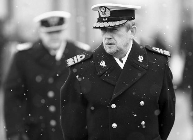 Patronem 13 Dywizjonu Trałowców jest były dowódca Polskiej Marynarki Wojennej, wiceadmirał Andrzej Karweta, który zginął w katastrofie lotniczej w Smoleńsku.