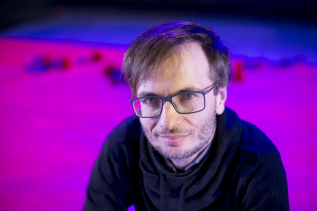 Radosław Paczocha od kilku lat współpracuje z Adamem Orzechowskim. Od początku sezonu 2016/2017 jest dramaturgiem Teatru Wybrzeże.
