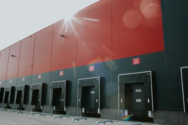 7 kwietnia 7R Logistic oficjalnie otworzyło piąty magazyn (32. tys. m kw.) na terenie Centrum Logistycznego Gdańsk Kowale.