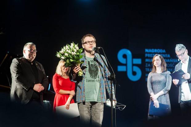 """Laureatem Nagrody w kategorii za przekład jednego dzieła kapituła Nagrody spośród siedmiu nominowanych wybrała Piotra Pazińskiego za przekład """"Przypowieści o skrybie i inne opowiadania"""" Szmuela Josefa Agnona."""