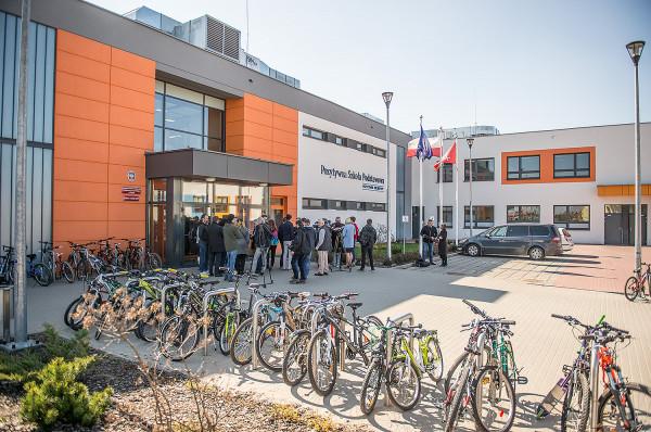 Pozytywna Szkoła Podstawowa w Kokoszkach.