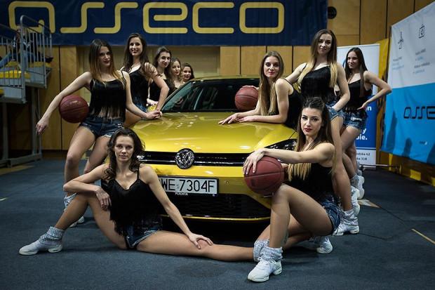 Występy pięknych cheerleaderek Asseco Gdynia będzie można podziwiać podczas piątkowej prezentacji zmodernizowanego VW Golfa.