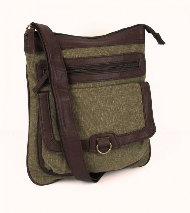 Listonoszka w rozmiarze A5 pomieści portfel, klucze, telefon i tablet. Idealnie sprawdzi się na wycieczkach.