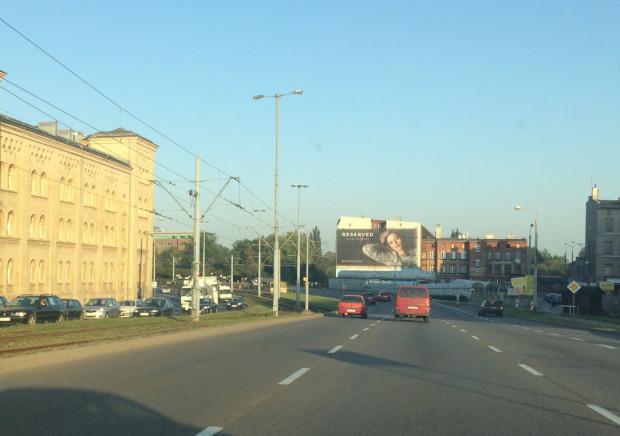 Kierowcę zatrzymano, gdy pędził ul. Podwale Przedmiejskie w Gdańsku.