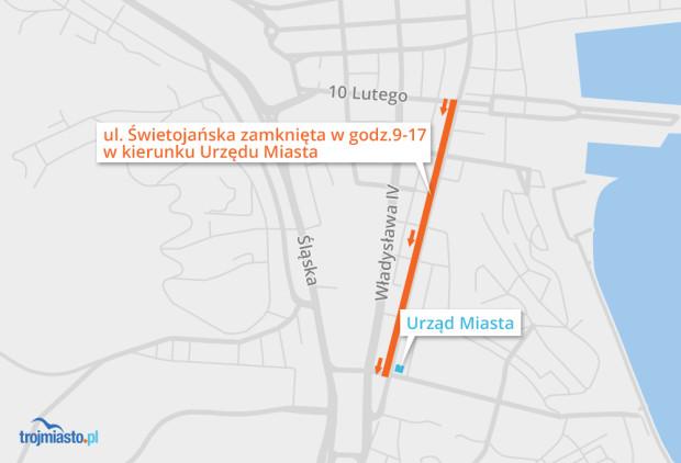 Zamknięcie ul. Świętojańskiej w kierunku Urzędu Miasta.