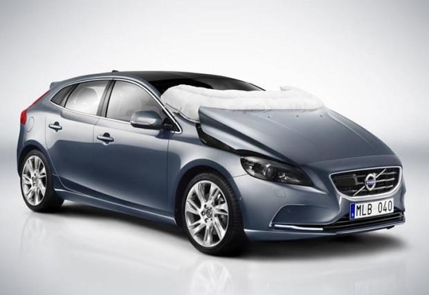 Volvo to synonim bezpieczeństwa. Szwedzi jako pierwsi wpadli na pomysł stworzenia poduszki powietrznej dla... pieszych.