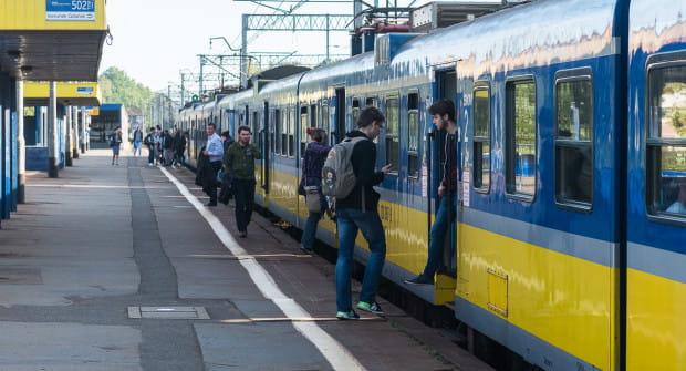 Do zdarzenia doszło podczas wsiadania do pociągu SKM.