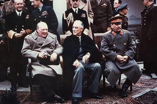 O tym, że przedwojenne Wolne Miasto Gdańsk zostanie włączone do Polski, zdecydowano podczas konferencji jałtańskiej, trwającej od 4 do 11 lutego 1945 r. na Krymie.