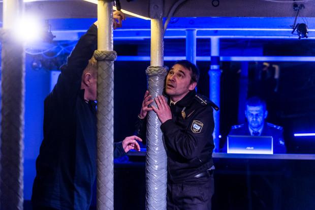 """""""Kursk"""" grany na """"Darze Pomorza"""" jest z kolei propozycją Teatru Miejskiego w Gdyni. Spektakl zagrany zostanie 16 maja o godz. 20, ale bilety nabywać można w kasach Teatru Miejskiego 13 maja od godz. 11."""