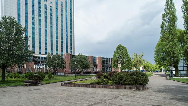 Czy i jak powinno zabudować się niewielki placyk przy ul. Wodopój? Osoby chcące wyrazić swoją opinię mogą wziąć udział w czwartkowej debacie.