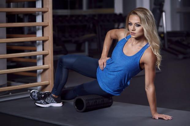 Nie ma czegoś takiego jak uniwersalny trening dla każdego. Każdy z nas jest inny, ma inne cele i ciało. Na zdjęciu trenerka Katarzyna Dziurska.