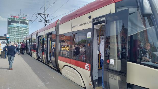Eduard Friedrich von Conradi jest patronem tramwaju PESA Swing o numerze bocznym 1023.