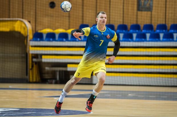 Jeśli Bogdan Oliferchuk (na zdjęciu) i jego koledzy pokonają w sobotę GKS Żukowo, bez względu na wynik Stali Gorzów wygrają rozgrywki I ligi i będą mogli czekać na zaproszenie do krajowej elity.