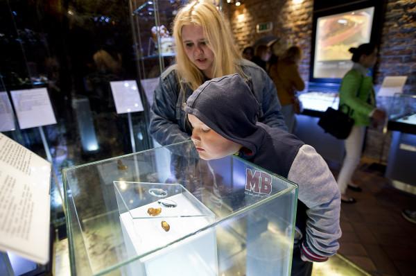 Warsztaty dla dzieci w Muzeum Bursztynu.