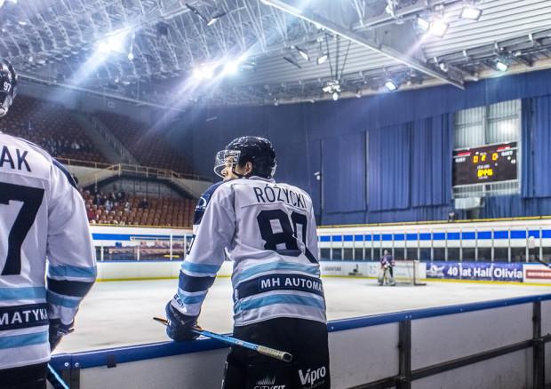 """Nad gdańskim hokejem wiszą czarne chmury. W sporze pomiędzy MH Automatyką a zarządzającym halą """"Olivia"""" GKS Stoczniowcem nie obędzie się bez interwencji przedstawicieli Miasta."""