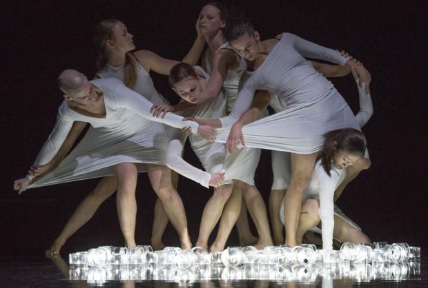 """Spektakl """"ONA"""" formacji Compagnie Linga to najważniejsze wydarzenie Gdańskiego Festiwalu Tańca. Spektakl zobaczyć można w sobotę 3 czerwca o godz. 20."""