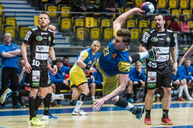 Zdaniem prezesa Lecha Ramczykowskiego, Spójnia Gdynia nie będzie miała problemów z wypełnieniem warunków uzyskania licencji na występy w krajowej elicie piłki ręcznej. Na zdjęciu Kamil Pedryc.
