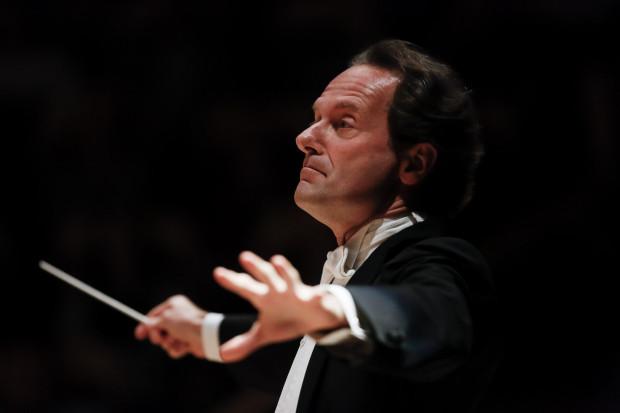Massimiliano Caldi - I dyrygent gościnny Orkiestry PFB oraz autor programu tegorocznych Koncertów Promenadowych.