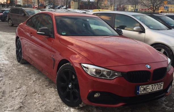 Należący do pani Joanny samochód marki BMW 420, który w ubiegłą sobotę został skradziony w CH Riviera w Gdyni.