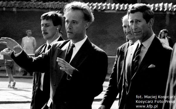 Książę Karol, ojciec Williama, odwiedził Gdańsk 18 maja 1993 r. Po Głównym Mieście gościa oprowadzał profesor Jerzy Limon, z tyłu widoczny ówczesny wojewoda gdański Maciej Płażyński.