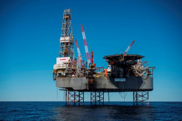 Obecnie Lotos Petrobaltic operuje w polskiej strefie ekonomicznej Morza Bałtyckiego, a poprzez swoje spółki zależne prowadzi poszukiwanie i rozpoznawanie złóż węglowodorów oraz wydobycie ropy naftowej i gazu ziemnego ze złóż w Norwegii i na Litwie.