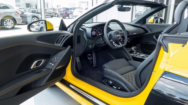 Żółtawe R8 warte jest 1,1 mln zł.