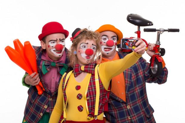 Grupa klaunów z Moisac.