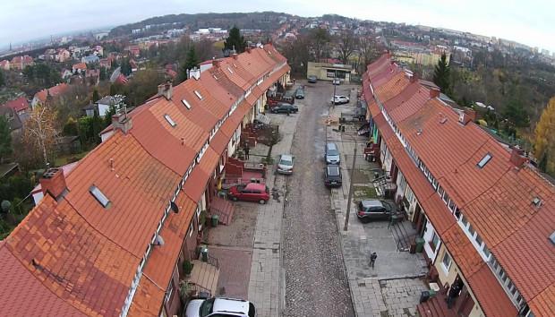 W ramach inwestycji nie planuje się odtworzenia punktu widokowego na końcu ulicy.