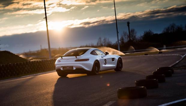 Mercedes-AMG GT S Edition 1 to wisienka na torcie imprezy.