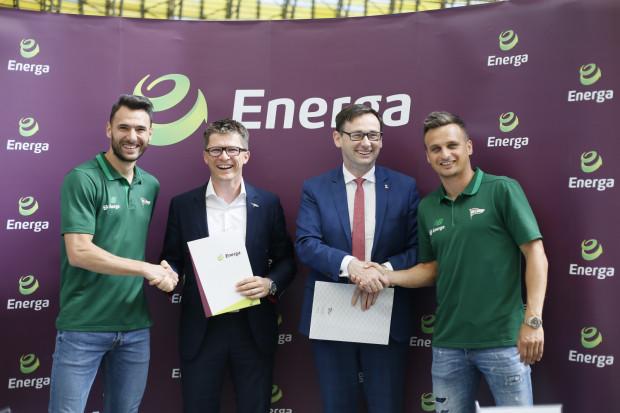 Od prawej: Sławomir Peszko, Daniel Obajtek (prezes Energa SA), Maciej Bałaziński (wiceprezes Lechia SA), Grzegorz Wojtkowiak.
