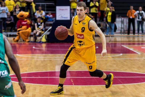 Jakuba Karolaka czeka drugi z rzędu okres przygotowawczy z Treflem. Ostatnio koszykarz brał udział w turniejach w Chinach z kadrą B Polski.