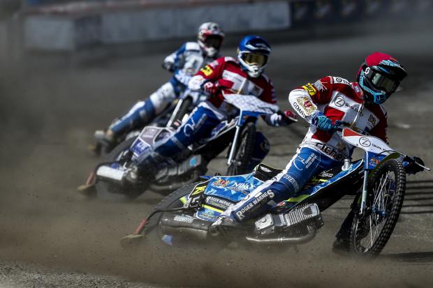 Strata żużlowców Zdunek Wybrzeże Gdańsk do lidera tabeli wzrosła do 5 punktów. W Tarnowie z rywalami z powodzeniem rywalizował tylko Anders Thomsen.