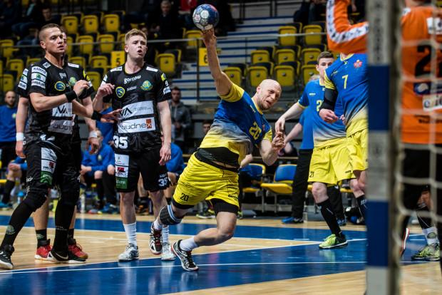 Każdy ze szczypiornistów Spójni, który wygrywał z nią I ligę, ma dostać propozycję nowego kontraktu. W tej grupie jest Kamil Ringwelski.