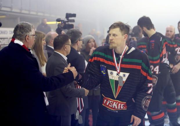 Josef Vitek miniony sezon skończył ze srebrnym medalem mistrzostw Polski w barwach GKS. Czy po czterech latach spędzonych w Tychach zdecyduje się na przenosiny do Gdańska?