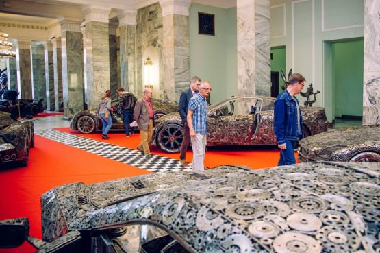 zbudowa bugatti veyrona ze z omu bugatti bugatti veyron z om model egzemplarz gda sk. Black Bedroom Furniture Sets. Home Design Ideas