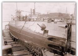 S-25 w stoczni w Bostonie.