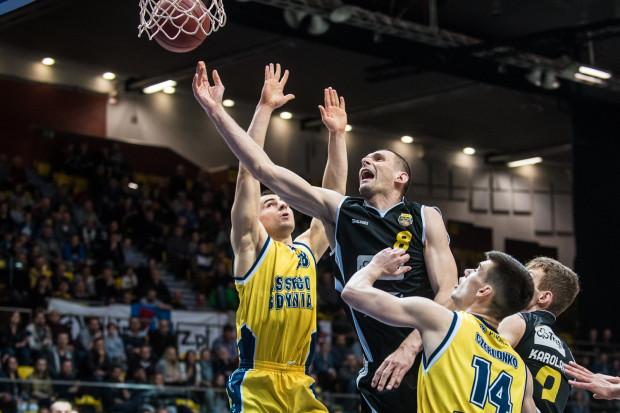 W sezonie 2017/2018 Asseco Gdynia i Trefl Sopot ponownie zagrają przeciwko sobie w Polskiej Lidze Koszykówki.