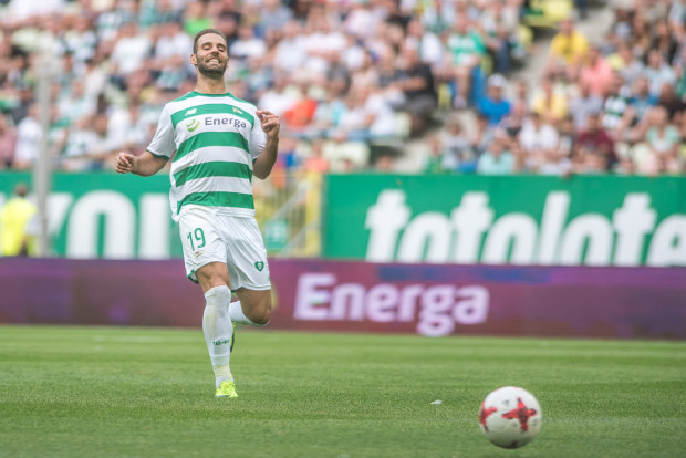Marco Piaxao strzelił dwa gole we Wrocławiu, ale nie zdołał uchronić Lechii od porażki.